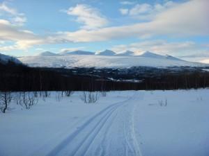 Jotunheimen-og-Sjodalen-fra-Flya